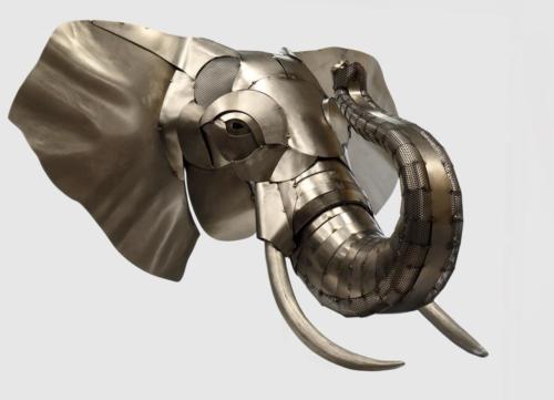 Artiste sculpteur métal